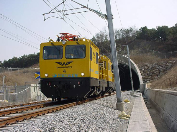 铁路电路维修车
